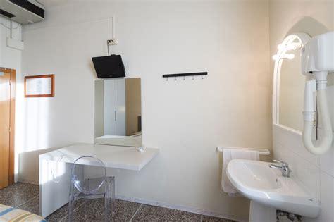bagno in comune doppia con bagno in comune hotel moderno