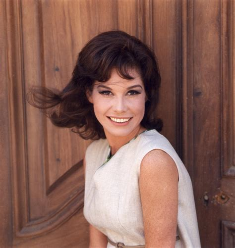 mary tyler moore all good things classic tv actress of the month mary