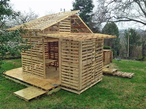 pallet house at the knoxville botanical gardens for rhythm