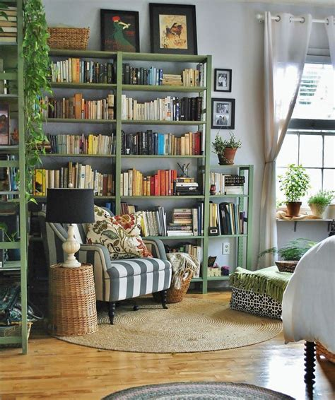 living in a small apartment 1000 ideas about studio apartment decorating on