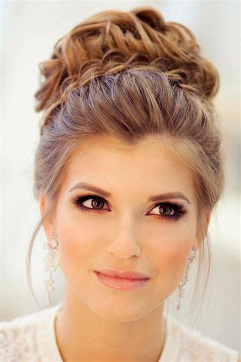 Easy Wedding Hairstyles Bridesmaid by Best 20 Simple Wedding Updo Ideas On Easy