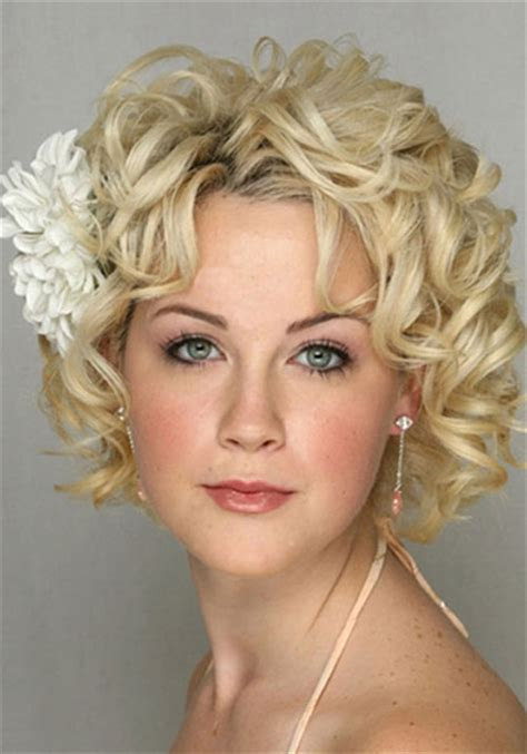 easy hairstyles short curly hair i have a pear shaped face thick curly hair should i have