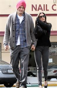Does Demi A Tight Hold On Ashton by Ashton Kutcher And Demi Rug Up And Look Cosy On
