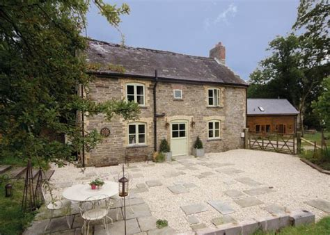 wales cottage rental ploony cottage knighton pet friendly mid wales