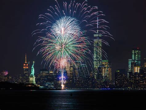 new york fireworks new years 13 fabulous new year s events at every price point
