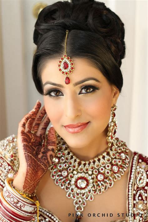 Traditional Indian Wedding Hairstyles by Traditional Indian Wedding Hairstyles 18 Indian Makeup