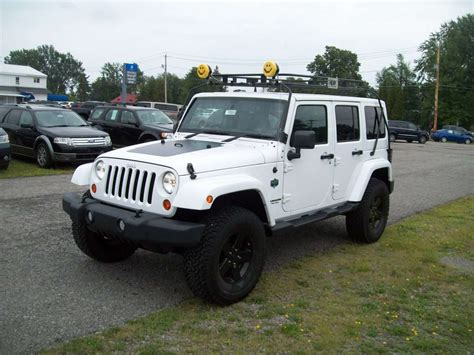 white jeep black rims jeep wrangler unlimited custom paint job image 114