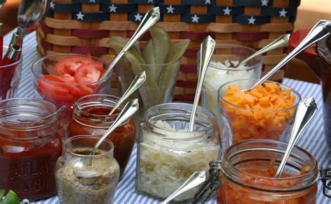 toppings for hot dog bar you can totally throw a chicago cubs party the nash up