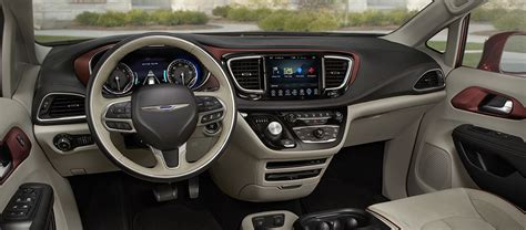 Chrysler Pacifica Interior by 2017 Chrysler Pacifica Interior Features And Technology