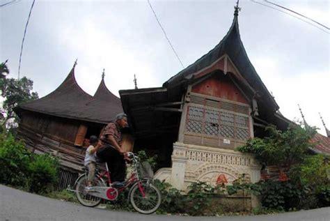 Menuju Arsitektur Indonesia Oleh Ir Eko Budihardjo Msc kawasan saribu rumah gadang menuju warisan dunia pronews fm