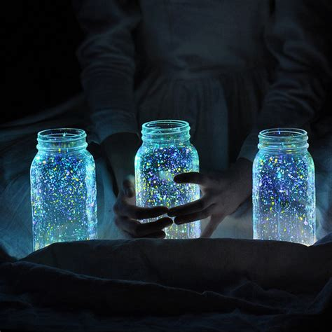 diy glow jars how to make glowing firefly jars curbly