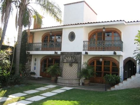 bungalow with charming facade hwbdo11716 charming colonial mexican bungalow homeaway lomas de
