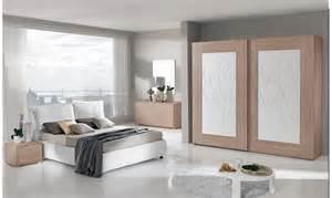Bella I Segreti Della Camera Da Letto #1: idee-progettuali-da-camera-da-letto-camera-da-letto-ikea-con-arredamento-elegante-installazione-punte-di-decorazione-per-la-casa-incantevole.jpg