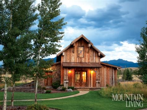 barn inspired homes rustic retreat mountain living july 2014