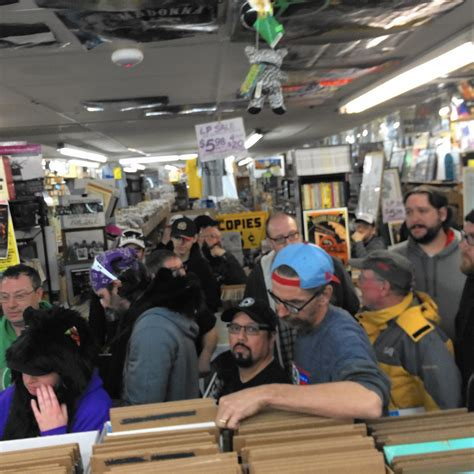 amazing chicago south southwest suburbs daily deals vinyl shop owners pump up the specials for record store