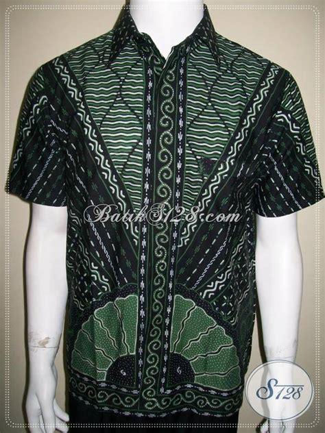 Kemeja Lengan Pendek Pria Satria Batik busana batik pria modern dengan kombinasi warna hijau dan