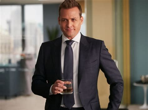 Harvey Specter Wardrobe by 15 Epic Style Highlights From Suits Season 4 Cinemazzi