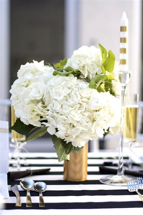 Gold Centerpiece Vases by Best 25 Gold Vases Ideas On Dollar Store