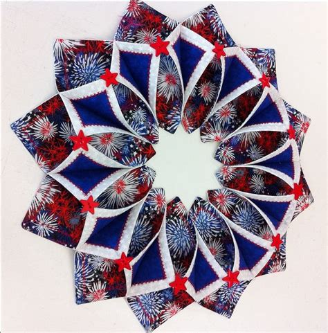 Patchwork Wreath Pattern - 194 best quilting fold n stitch wreath images on