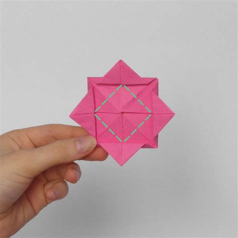 Easy Origami Roses - how to make an origami in 8 easy steps from japan