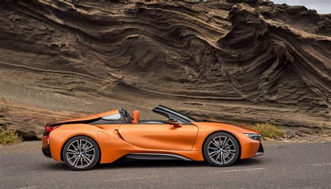Bmw Roadster by Bmw Debuts Its I8 Roadster For Top Green Driving