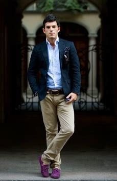 Dress Albi 2 Brown pantalonii khaki intre formal si casual