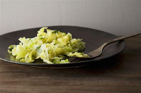 cucinare verza in padella verza in padella ricetta leggera agrodolce