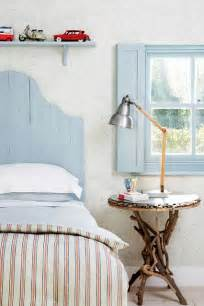 New England Home Decorating Ideas New England Style Blue And White Bedroom Decorating