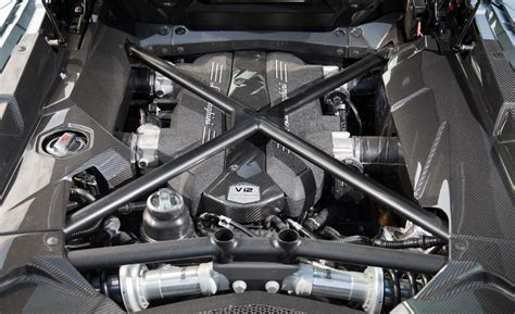 What Engine Does A Lamborghini Car And Driver