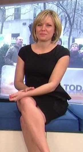 does dylan dryer wear pantyhose picture of dylan dreyer