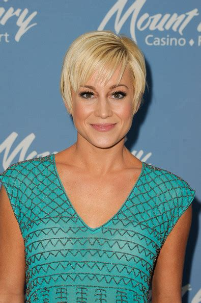 Kellie Pickler Pixie Hairstyle Photos by Kellie Pickler Hairstyle Photos To Kellie