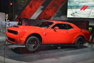 840hp dodge challenger srt puts on quite a show in