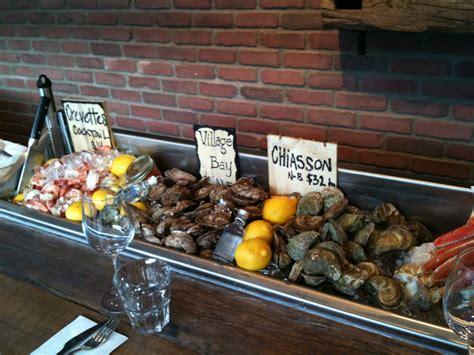 dive restaurant lucilles oyster dive restaurant montreal 2 montreall