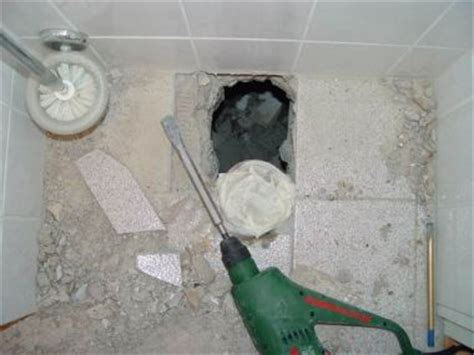 zwevend toilet afvoer riool aansluiten bij hangend toilet