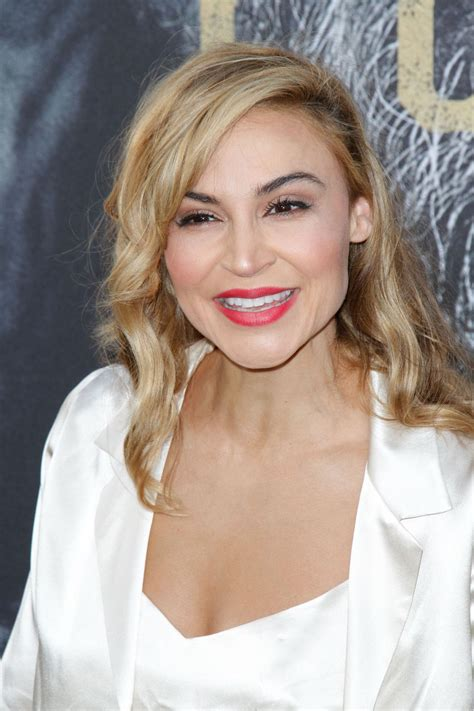 samaire armstrong peliculas samaire armstrong quot king arthur legend of the sword