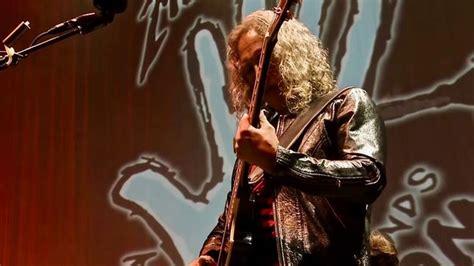 kirk hammett mansion metallica guitarist kirk hammett knocks 1 1m off price of