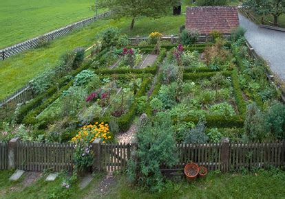 how to make a beautiful garden growing a wonderful vegetable garden great vegetable gardens