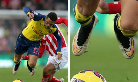 alexis sanchez boots boot spotting 8th december 2014