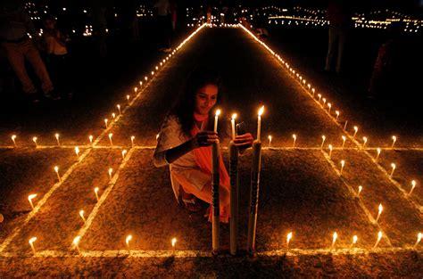 indian festival of lights diwali 2016 photos indian festival of lights celebrated