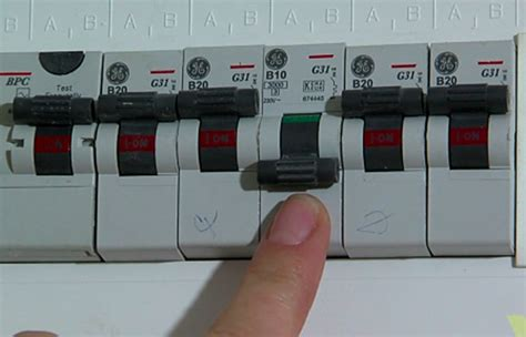 fuse box turn on 16 wiring diagram images wiring
