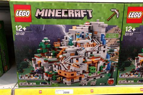 Building Designer Online lego minecraft die bergh 246 hle 21137 produktbeschreibung