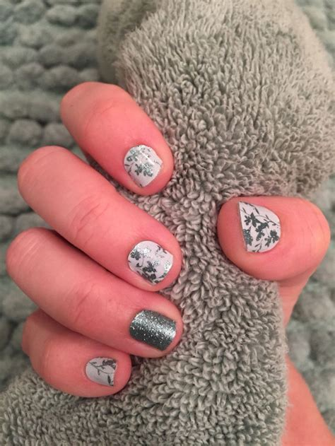 small nail beds my small nail beds are perfect for jamberry juniors loving my quot frosted quot manicure