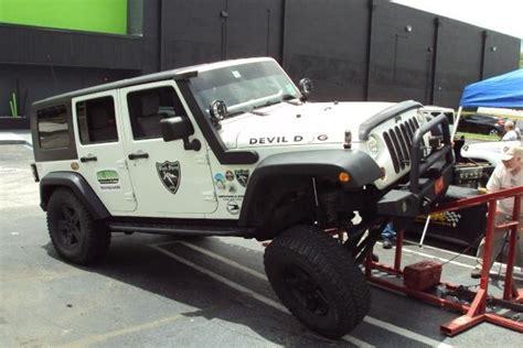 plasti dip jeep white plasti dip while wheels on jeep jeep wrangler forum