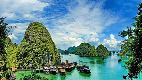 ha long bay vietnam   worth  hype escape