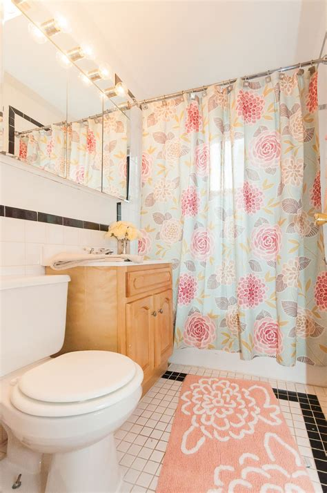 girly bathroom ideas the perfect girly bathroom great lighting pastel colors