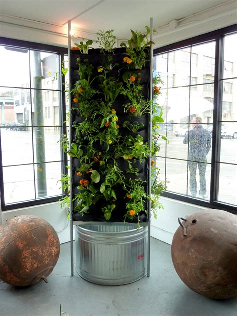 aquaponic vertical vegetable garden florafelt living