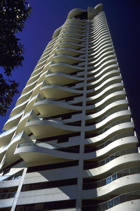 Harry Seidler & Associates: Horizon Apartments