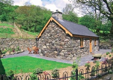 Luxury Cottage In Wales by Yr Efail Dolgellau Luxury Cottage Rental For Two Snowdonia