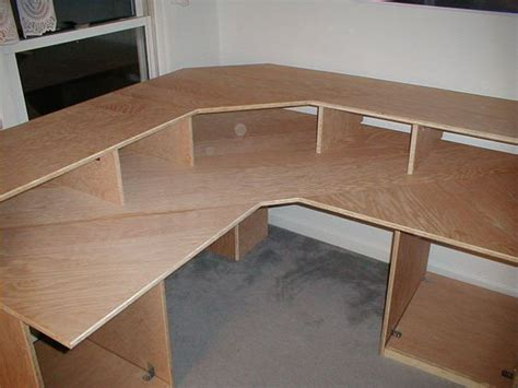 Make Corner Desk Diy Corner Desk Will Be A Desk Similar To This Plan The Next Few Weekends It