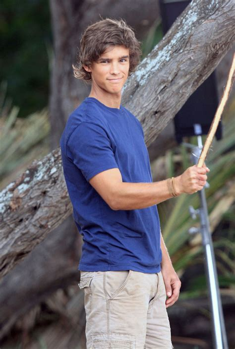 film blue lagoon 2013 brenton thwaites photos indiana evans and brenton